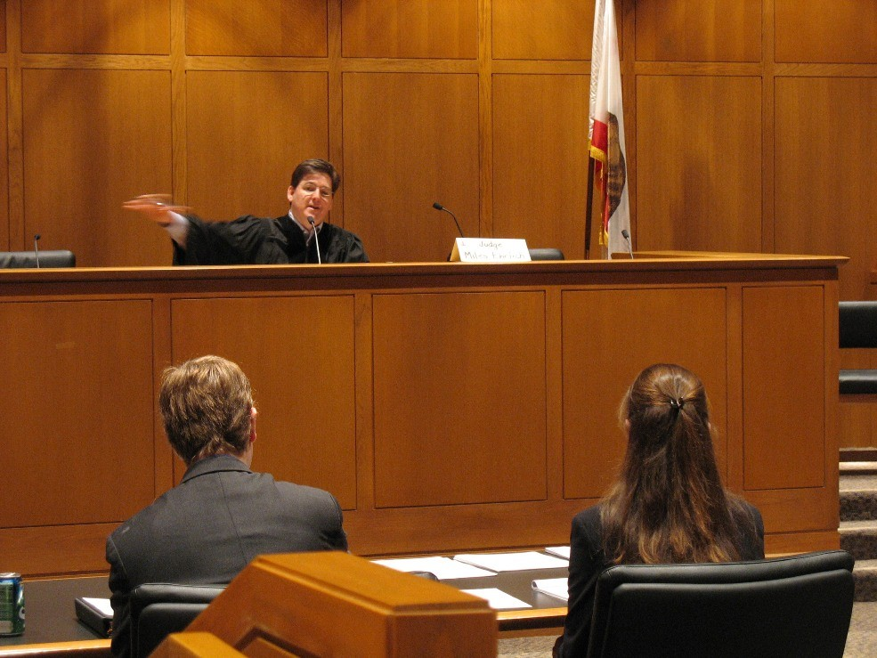 judge-in-courtroom